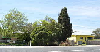 Braefield, New South Wales - Houses fronting the Kamilaroi Highway at Braefield
