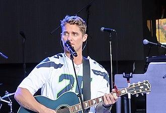 Brett Young (singer) - Brett Young performing in 2017