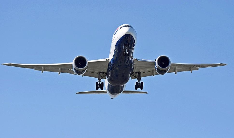 British Airways Boeing 787-8 Dreamliner (G-ZBJC) arrives London Heathrow 15Sep2015 arp