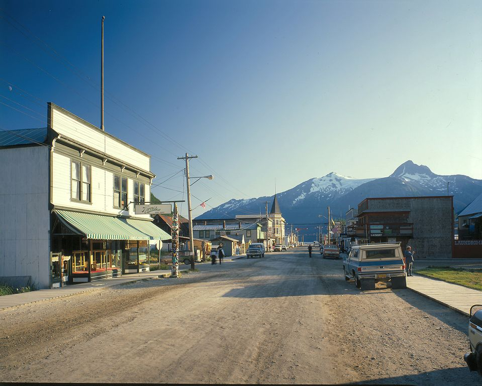 skagway dating Within skagway's downtown historical district, false-fronted buildings and boardwalks dating from gold rush time line the streets and klondike gold rush national historical park as a major visitor attraction.