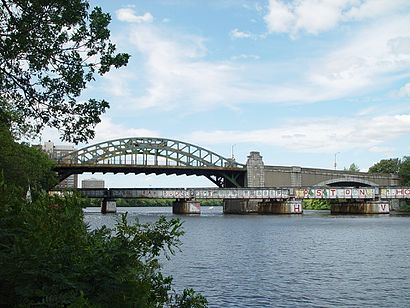 How to get to Boston University Bridge with public transport- About the place