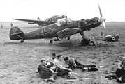 Bundesarchiv Bild 101I-337-0036-02A, Im Westen, Feldflugplatz mit Me 109
