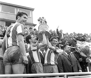 1. FC Union Berlin - Ulrich Prüfke (captain) and Ralph Quest raise the FDGB Pokal trophy in 1968.
