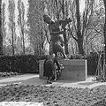 Burgemeester Thomassen onthult beeld voor de Rotterdammers die zijn gevallen bij, Bestanddeelnr 917-7895.jpg