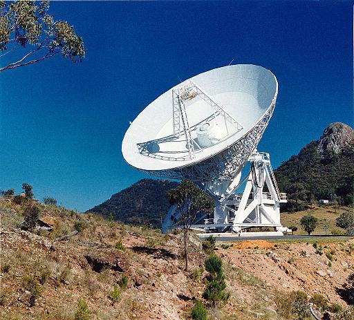 CSIRO ScienceImage 11145 The 22m Mopra radio telescope