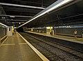 Camp de l'Arpa station platforms.jpg