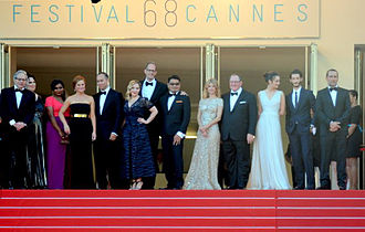 Inside Out (2015 film) - The film's crew, along with the English, and French voice actors, attended the film's premiere at the 2015 Cannes Film Festival (from left): Lewis Black, Phyllis Smith, Mindy Kaling, Amy Poehler, Jonas Rivera, Marilou Berry, Pete Docter, Ronnie del Carmen, Mélanie Laurent, John Lasseter, Charlotte Le Bon, Pierre Niney, and Gilles Lellouche.