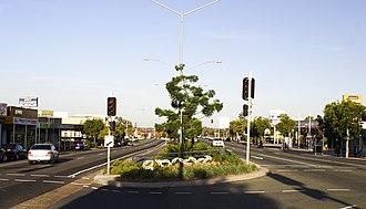 Carina, Queensland - Old Cleveland Road in Carina