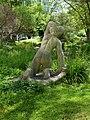 Carl Gutknecht (1878–1970) Bildhauer. Skulptur, Kniende, von 1945, Universitätsspital-Garten, Basel (3).jpg