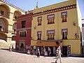 Casas neomudéjares de la plaza del Triunfo.jpg