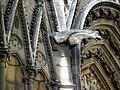 Cathédrale Notre-Dame de Paris, gargouille.jpg