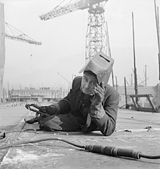 Cecil Beaton Photographs- Tyneside Shipyards, 1943 DB71.jpg