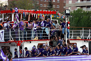 Real Valladolid - Real Valladolid players cruising the Río Pisuerga while celebrating the club's promotion to La Liga in April 2007