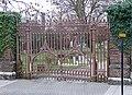 Cemetery gates, Norwood High Street - geograph.org.uk - 2225616.jpg