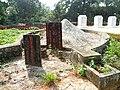 Cemetery in Golden Bull Mountain Ridge Park, Haikou 05.jpg