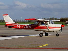 Cessna F 150 K PH-VRW Lelystad (LEY - EHLE), The Netherlands, 07 November 2004.jpg