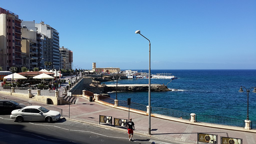 Chalet, Sliema, Malta - panoramio