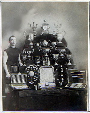 Charles Morris (boxer) - Image: Charles morris with cups