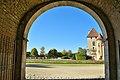 Chateau-d-epoisses-porche.jpg