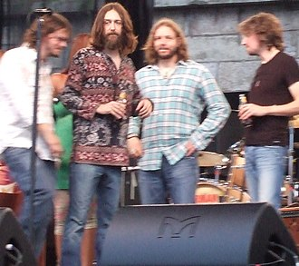 Chris Robinson (singer) - Chris Robinson on stage with Luther Dickinson (left), Rich Robinson, and Adam MacDougall