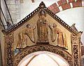 Ciborio di sant'ambrogio, con stucchi del IX secolo, scolastica tra due devote 02.jpg