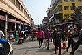 Circulation dans les rues de Varanasi (2).jpg