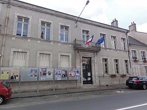 Cléry-Saint-André - The town hall in Cléry-Saint-André