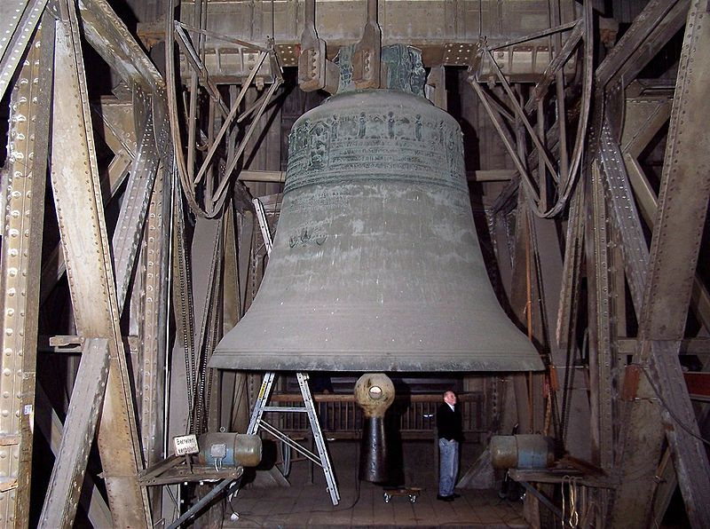 CologneCathedralBell02.jpg