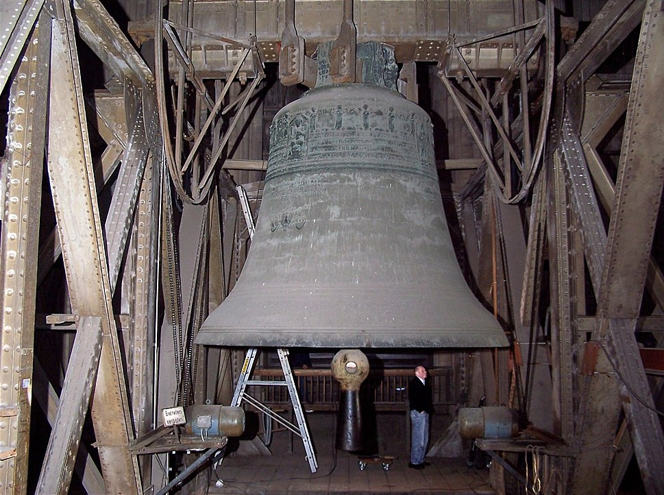 CologneCathedralBell02