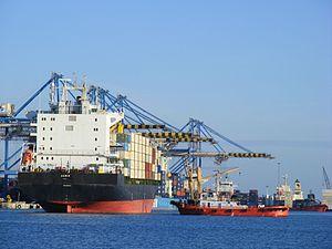 Container ship ARMIS arriving Malta Freeport. Feb 2011.jpg