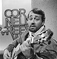 Cornelis Vreeswijk gaat zingen voor TV in eigen show (beroemd in Zweden), Bestanddeelnr 918-7633.jpg