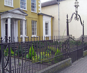 Cornwall House - Cornwall House lampholder and fence