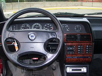 Lancia Dedra - Dashboard of first facelift
