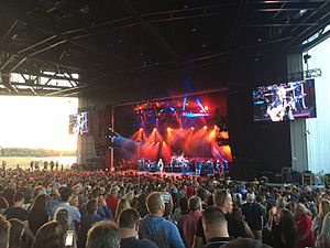 Lakeview Amphitheater - Dave Matthews Band performing in 2016