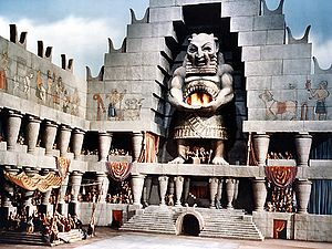 Samson and Delilah (1949 film) - The 37-foot tall model of the temple of Dagon