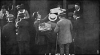 Deutsche Kriegszeitung (1914) 01 07 4, Den Amerikanern werden deutsche Zeitungen übergeben.png