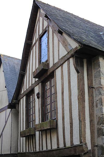 File:Dinan - 72 rue du Petit-Fort 20130216-01.JPG Исторические памятники Динана, достопримечательности Динана, фотографии Динана