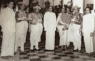 Kandy Esala Perahera - President William Gopallawa receiving the sannasa.