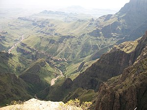 Drakensberg - Tugela Falls vicinity – Tugela River in valley