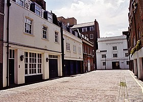 Duchess Mews - geograph.org.uk - 432370.jpg