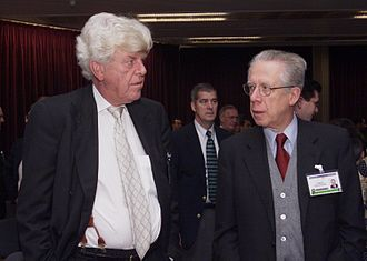 Wim Duisenberg - Wim Duisenberg and Tommaso Padoa-Schioppa in 2000