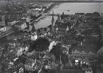 ETH-BIB-Zürich, St. Peter, Fraumünster, Bellevue v. N. W. aus 120 m-Inlandflüge-LBS MH01-006172.tif