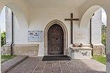 Ebenthal Radsberg Pfarrkirche hl. Lambert Vorhalle W-Portal 12062019 6755.jpg