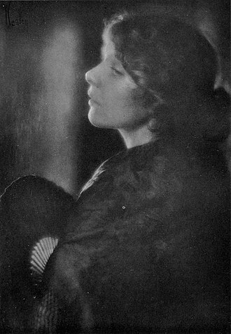 Margrethe Mather - Mather posing for Edward Weston's Carlota (1914)