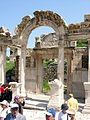 Efeso - Tempio di Adriano - panoramio.jpg