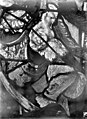 Eglise Saint-Martin - Vitrail, baie 4 (détail), Eléments de la cuirasse du pape Adrien VI, au niveau du buste - Montmorency - Médiathèque de l'architecture et du patrimoine - APMH00005395.jpg