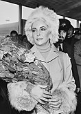 Elizabeth Taylor 1973b.jpg