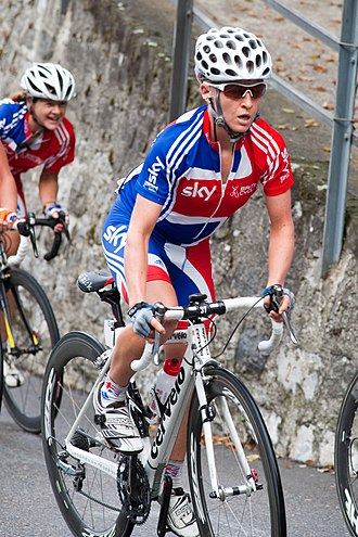 Emma Pooley - Pooley (with Sharon Laws behind) during the 2009 UCI Road World Championships in Mendrisio, Switzerland