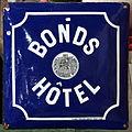 Enamel advertising sign, BONDS HOTEL, emailleerfabrieken POSTA adam.JPG