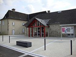 Estos (Pyr-Atl, Fr) Mairie.JPG